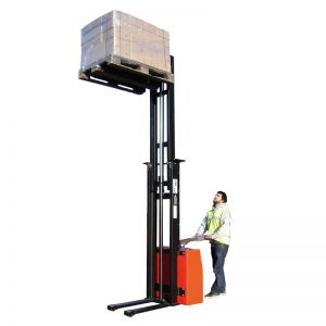 fully-electric-stacker