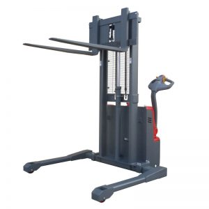 fully-electric-straddle-stacker