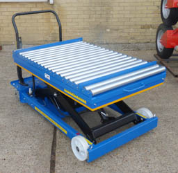 mobile scissor table with roller top