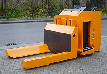 powered reel handling truck b2